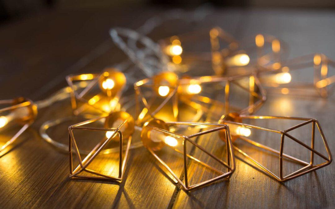 Guirnalda de farolillos con forma geométrica